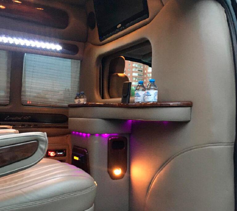 Chevrolet Express Vip 5 мест внутри -2